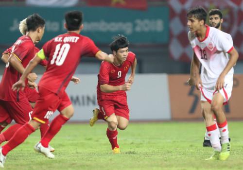 Đội tuyển U23 Việt Nam được Thủ tướng chúc mừng và nhận thưởng nóng khi vào Tứ kết Asiad 2018