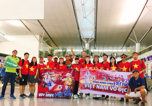 Đoàn Rồng Á Châu đi Jarkata tiếp lửa U23 đá bán kết chiều nay 29-8-2018