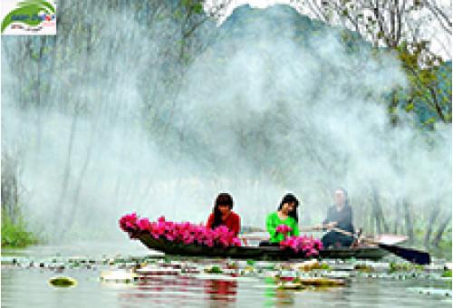 Du lịch Chùa Hương: Suối Yến đẹp kỳ ảo mùa hoa nở